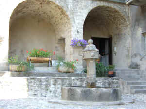 fountain in Annot