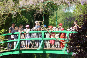 crowds at Giverny