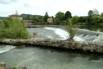 Mazeres weir by aire