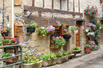 Flowery house at St Eulalie d'Olt