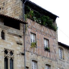 Figeac galleried house