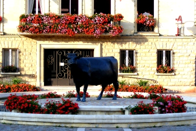 Cow statue at Vimoutier